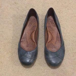 BORN tooled leather flats.  Size: 8